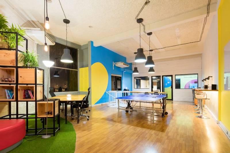 Brendiranje kancelarije: Osnovni koraci do upečatljivog poslovnog prostora