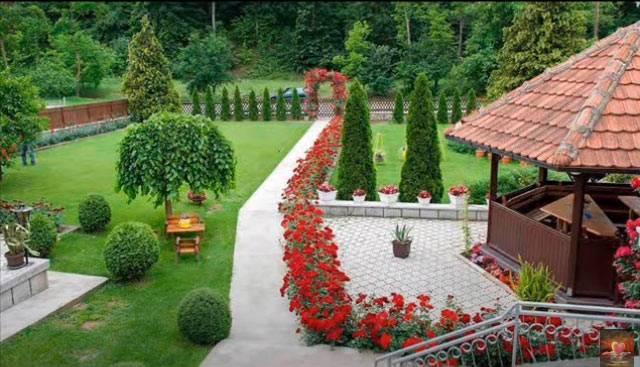Dve osnovne smernice u uređenju velikih dvorišta